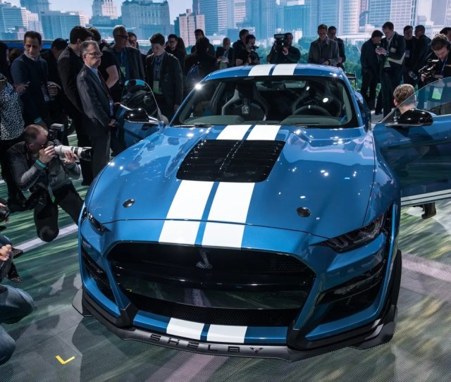 Media Crowd Around The All New 2020 Mustang Shelby Gt 500 During The 2019 North
