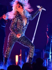 """Lady Gaga curiously chose an '80s glam-rock look to perform """"Shallow."""""""