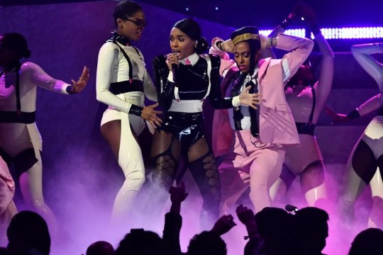 """Janelle Monae performs """"Make Me Feel"""" at the Grammys"""