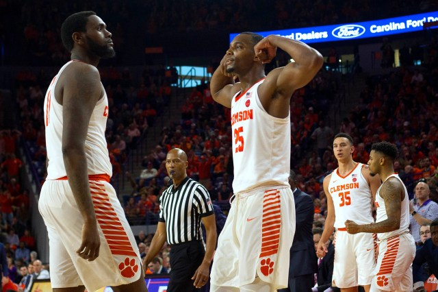 55b0674d-b082-40e8-99f8-97d0c2392e05-USP_NCAA_Basketball__Syracuse_at_Clemson Bubble Watch: College basketball winners, losers among borderline NCAA tournament teams