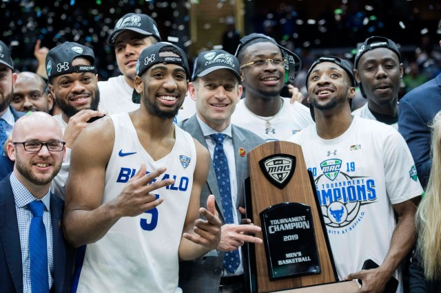 Buffalo (31-3), No. 6 seed in West, Mid-American Conference champion