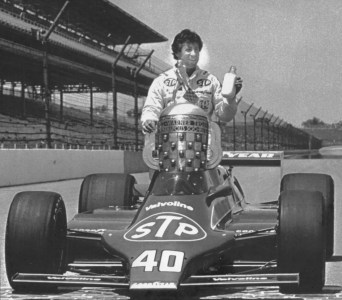 Indy 500's Most Controversial Finish Ruined Mario Andretti, Bobby Unser  Friendship