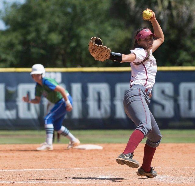 5e8dd233-dc87-4128-9bb0-43dc54c1ee94-UWf_Vs._FIT_Sotfall__16 Florida Tech softball's historic season ends after another late rally