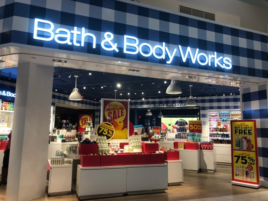 Bath & Body Works opens and closes stores in 2019.