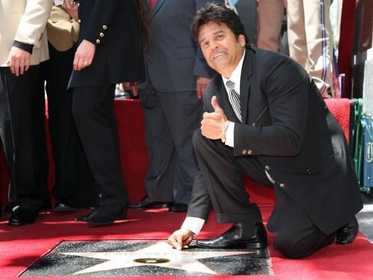 Erik Estrada obtiene una estrella en el Hollywood Walk of Fame en Hollywood Boulevard el 19 de abril de 2007.