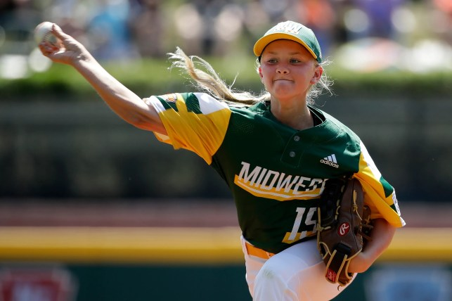 Maddy Freking becomes sixth girl to pitch at Little League World Series, gets team out of jam