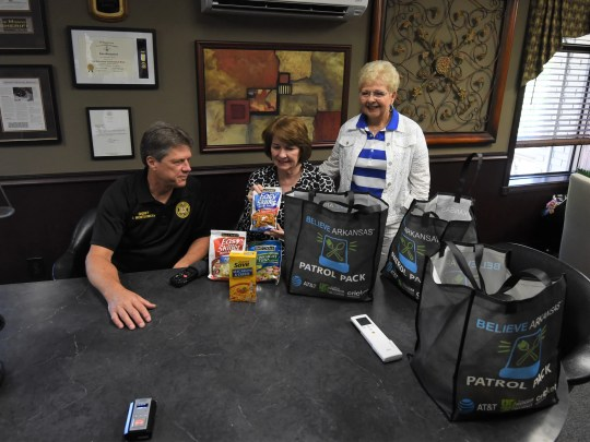 AT&T donates 'Patrol Packs' to Sheriff's Office