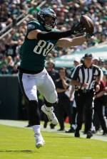 Eagles take on Falcons with only 2 tight ends, and did one of them, Dallas Goedert, get hurt pregame?