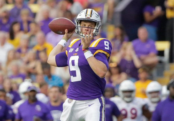 New LSU offense and QB Joe Burrow know only one speed - if you