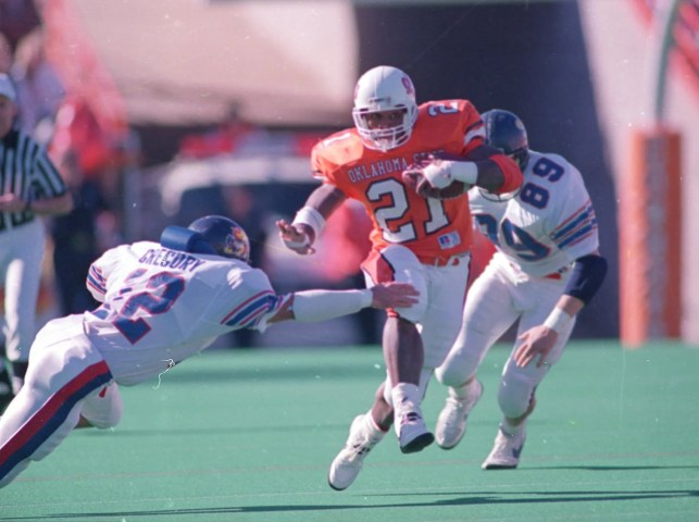 Bo Jackson vs. Barry Sanders key matchup in contest to determine college football's GOAT