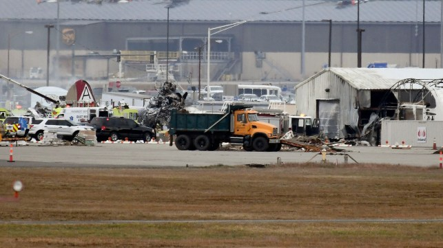 7 dead, 6 injured in WWII vintage plane crash at Hartford's Bradley airport