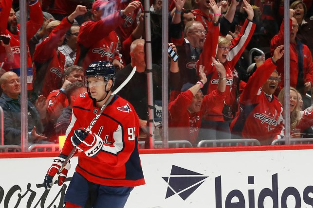 Capitals star Evgeny Kuznetsov scores in his first game back from drug-related suspension