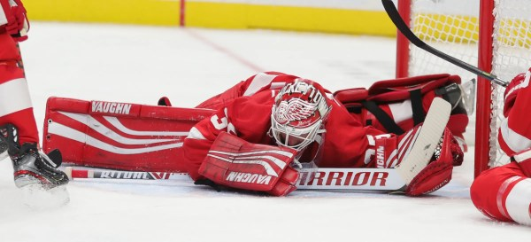 Detroit Red Wings lose momentum in 5-2 loss to rival Maple Leafs at lively LCA