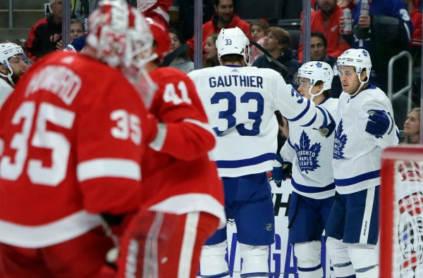 Maple Leafs use big third period to down Red Wings