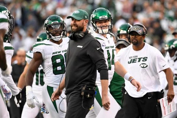 Live updates, analysis: Jets 21, Cowboys 22 -- fourth quarter