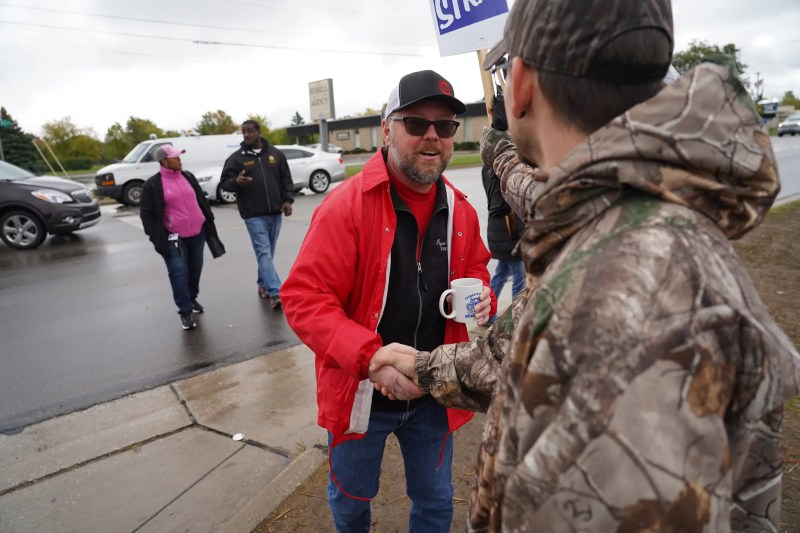 GM, UAW reach proposed tentative agreement; strike continues