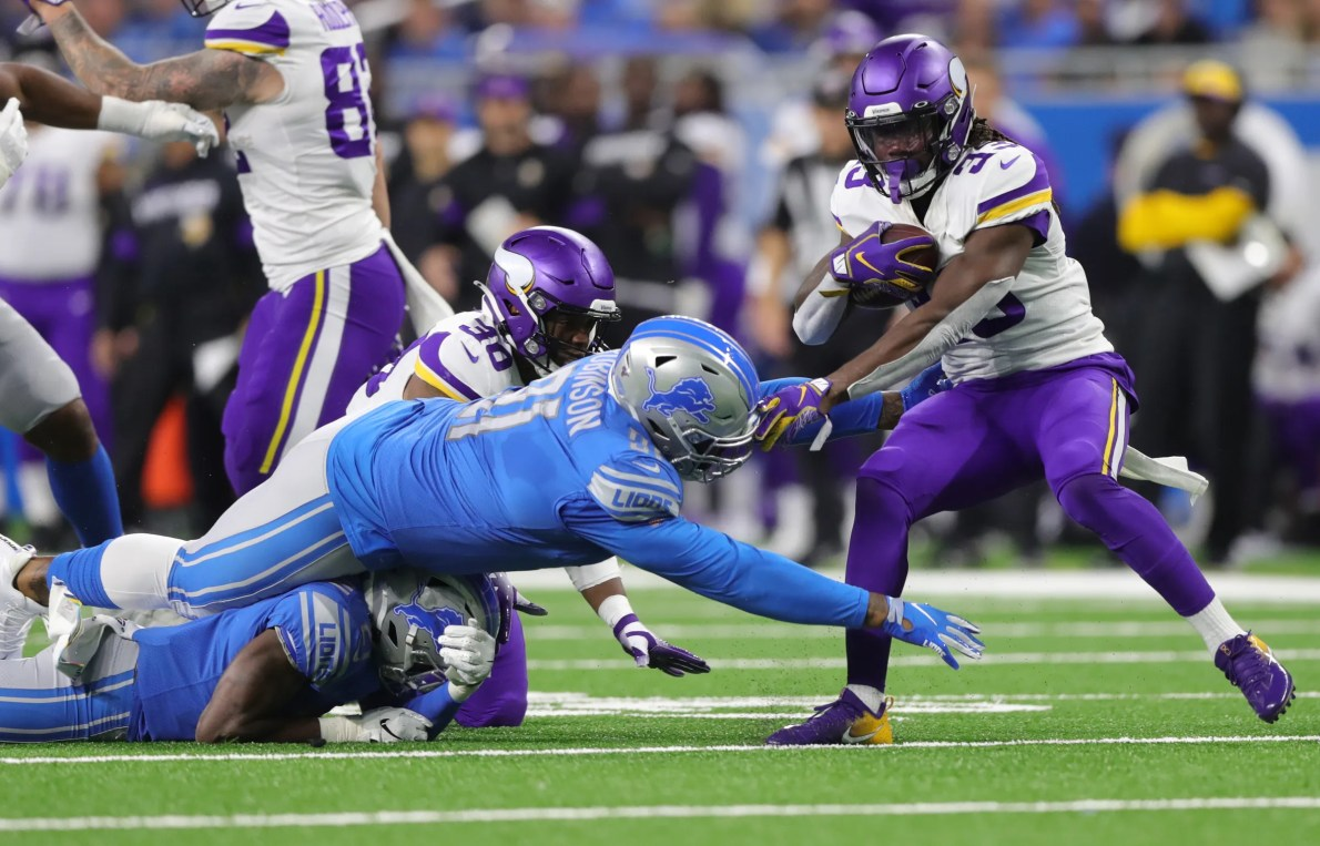 Why the Minnesota Vikings are better than the Detroit Lions