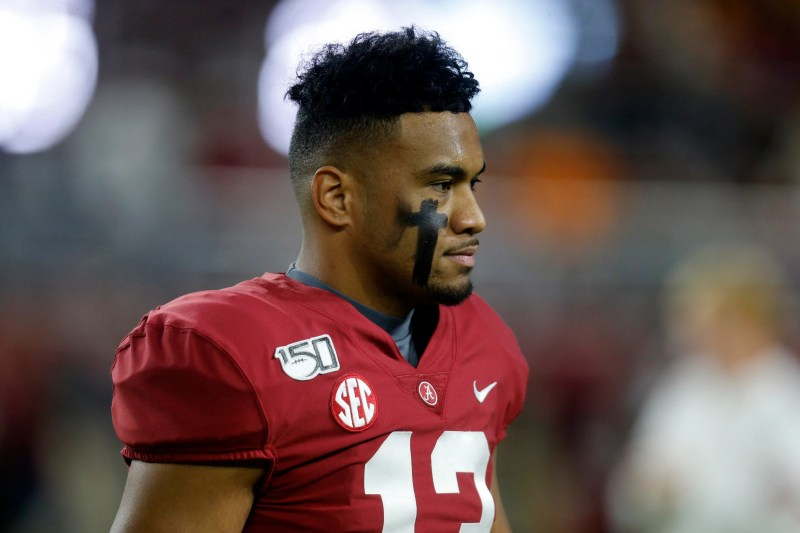 Alabama QB Tua Tagovailoa knocked out of game vs. Tennessee with apparent ankle injury