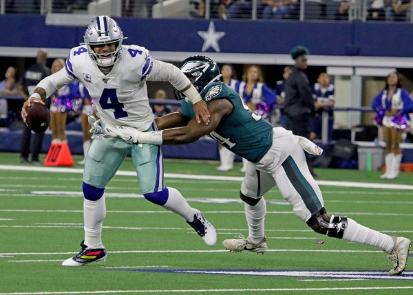 Dak Prescott deserving of contract that outweighs Carson Wentz