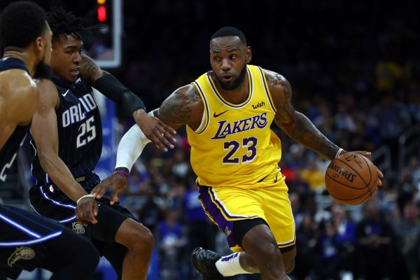 Lakers off to best start in 34 years after beating Magic