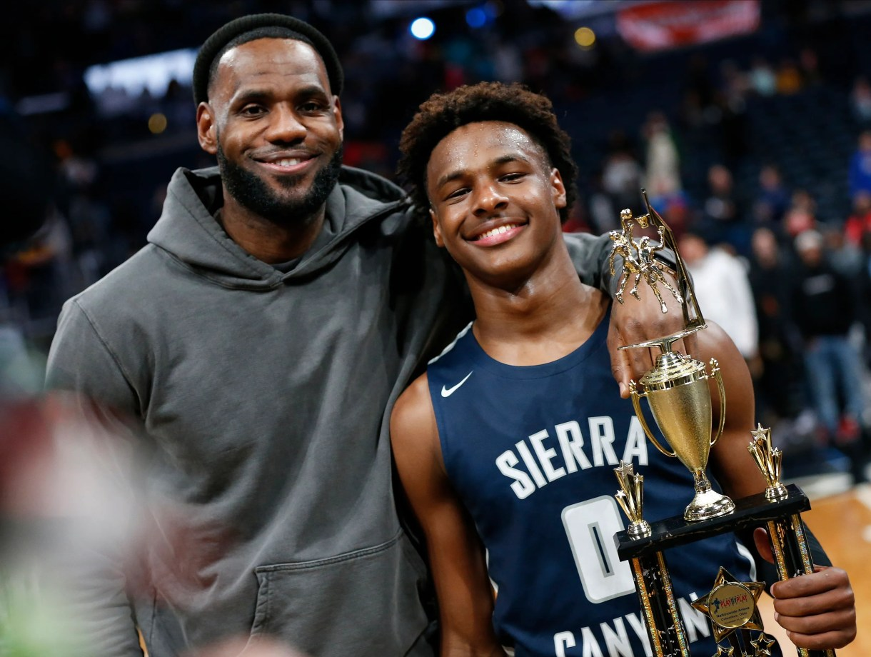Bronny James: LeBron's son hits clutch shot as dad watches courtside