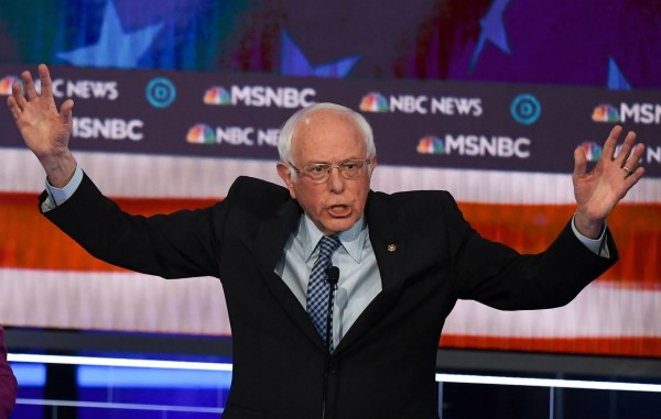 Report: Bernie Sanders briefed by U.S officials that Russia is attempting to help his campaign