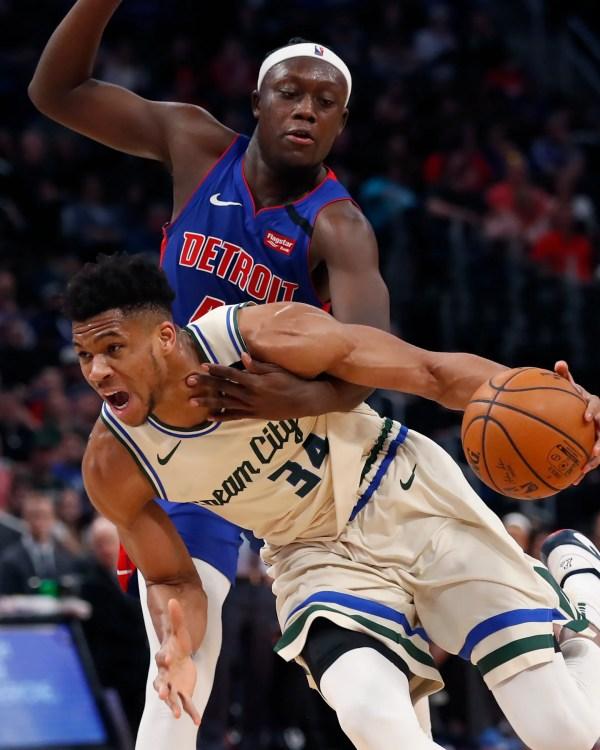 Sekou Doumbouya gets 1st taste of Giannis Antetokoumpo as Bucks own Pistons again