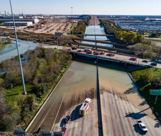Houston Water Main Break Causes Flooding City Under Boil Advisory