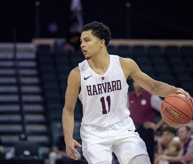 Michigan Basketball On Final List For Harvard Transfer Bryce Aiken