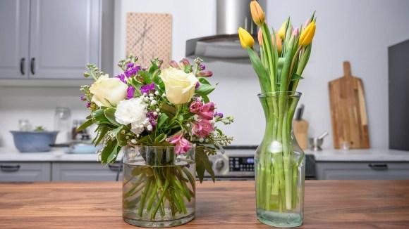 Sparen Sie bei einem Blumenarrangement für Mama.