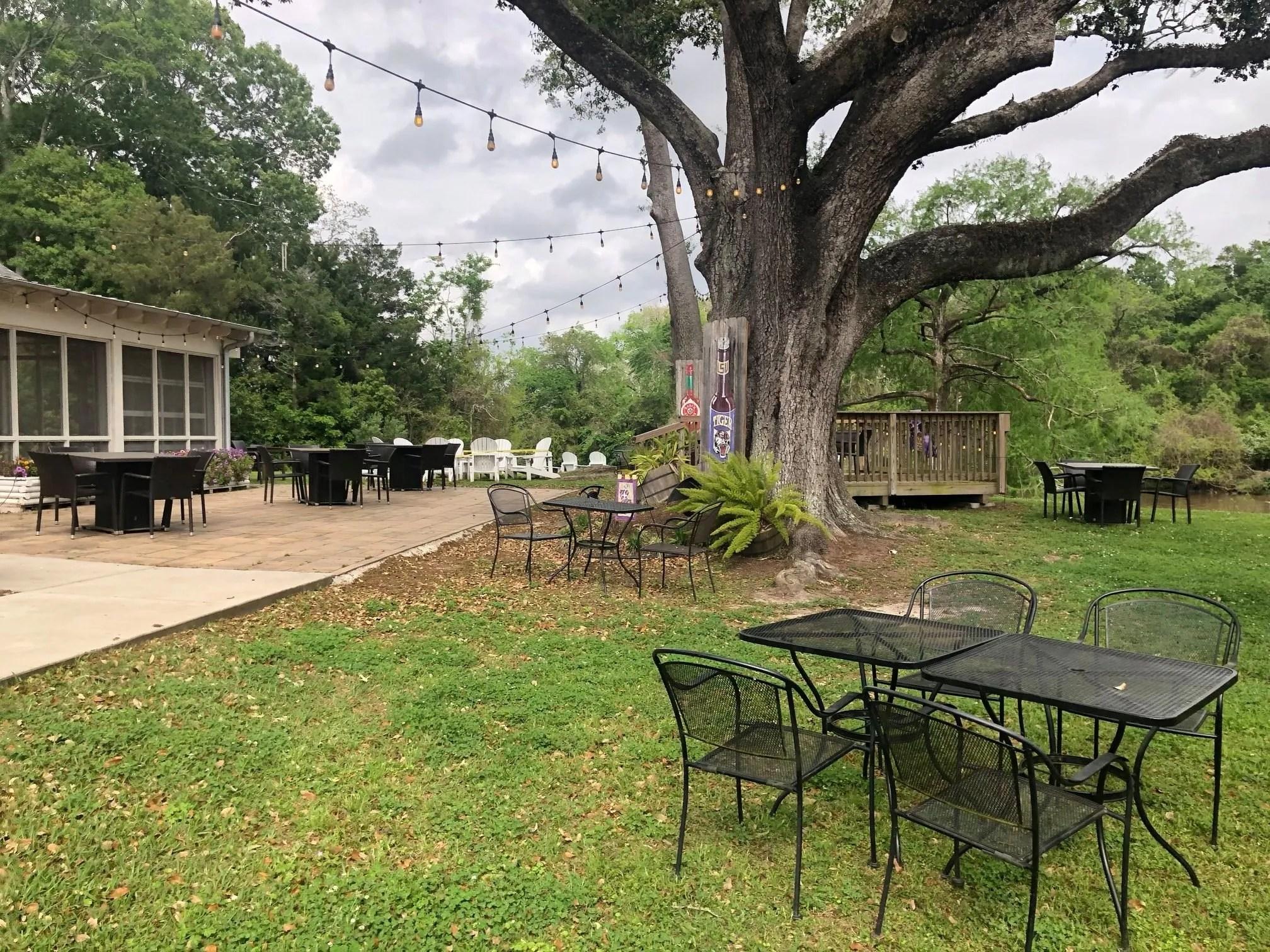 acadiana restaurants offering outdoor