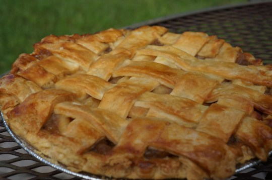 When apples are in season, Buckingham Farms crafts a hefty and hearty apple pie.