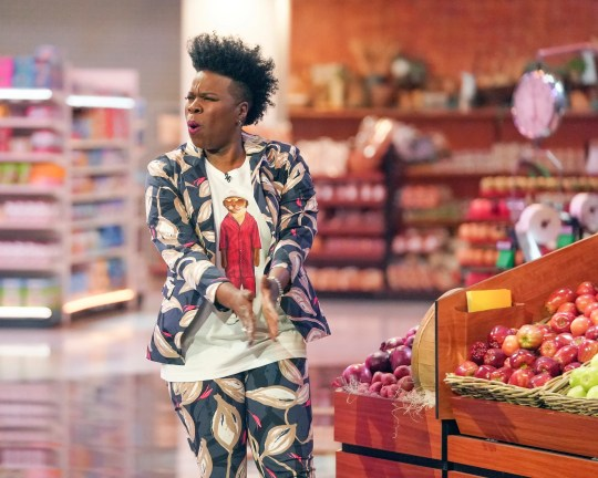 """Standup comedian and former """"Saturday Night Live"""" regular Leslie Jones hits the grocery aisles as host and executive producer of an ABC game-show revival, 'Supermarket Sweep.'"""