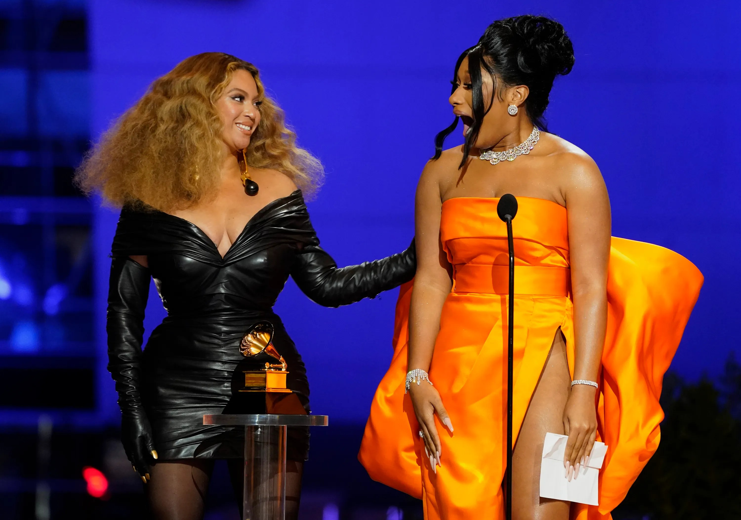 https www usatoday com story entertainment music 2021 03 14 beyonce and jay z make surprise grammys 2021 appearance 4695803001