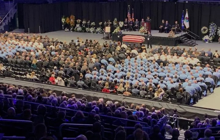 Police in Dayton, Ohio, form a sea of blue to honor Det. Jorge Del Rio, killed in 2019 during a drug investigation.