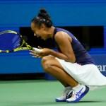 Leylah Fernandez stuns Aryna Sabalenka, advances to final 💥💥
