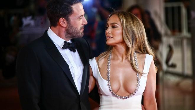 492fd2a3 75fe 4cca b552 95140a69a6a0 AP APTOPIX Italy Venice Film Festival 2021 The Last Duel Red Ca Jennifer Lopez and Ben Affleck share kiss, go red carpet official at Venice Film Festival