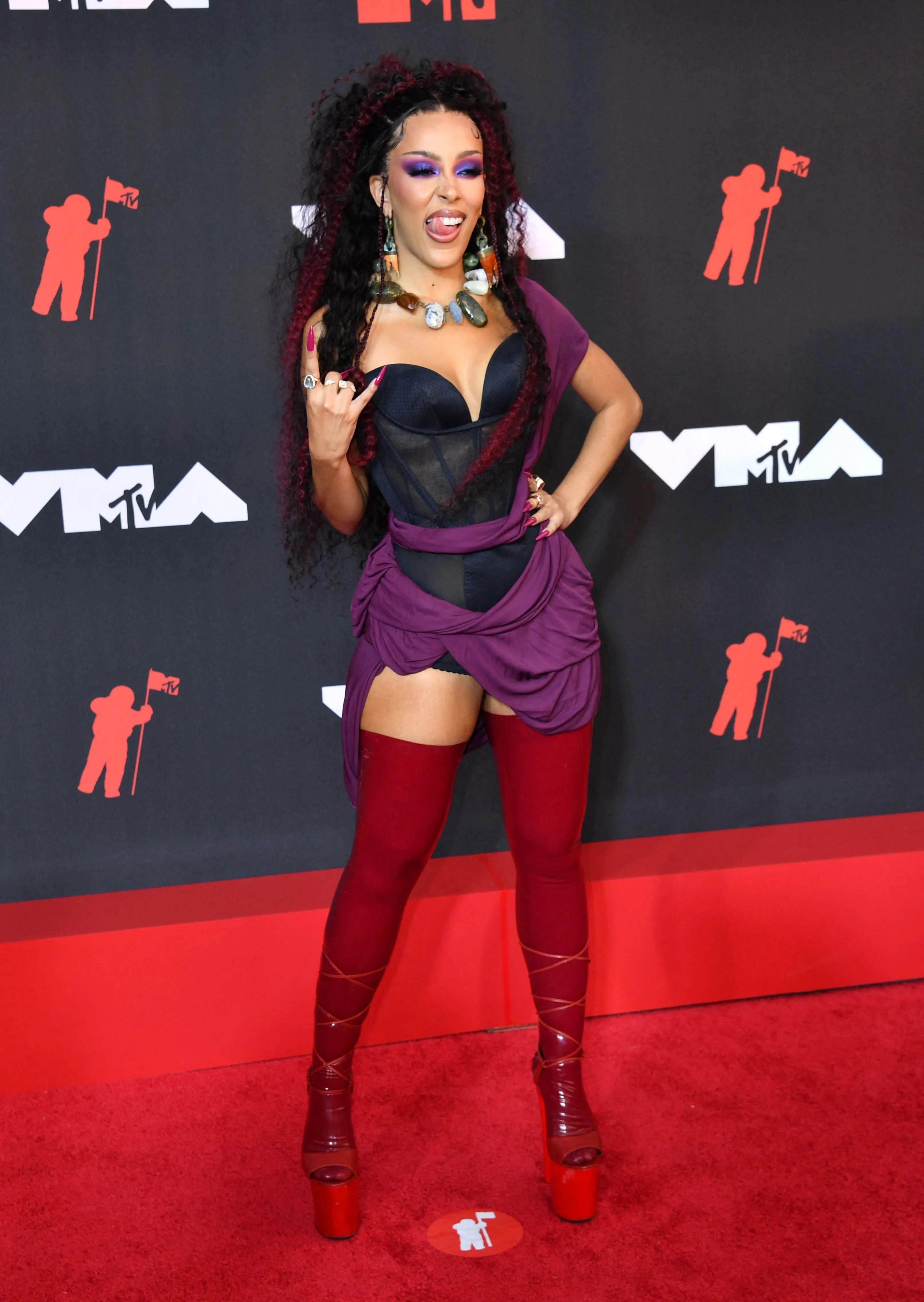 5fb0aa84 f3d4 4a21 b62e 5805bf93fbfc AFP AFP 9MQ4GZ Olivia Rodrigo, Doja Cat, Lil Nas X, MGK and more stars take over the VMAs red carpet