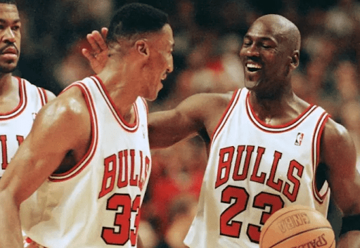 michael jordan and scottie pippen of the Chicago Bulls