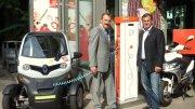 Die Pizza kommt elektrisch - Otmar Zisler links (Geschäftsführer E.ON Hanse) und Karsten Freigang rechts (Geschäftsführer Joey's Pizza) © Joey's Pizza
