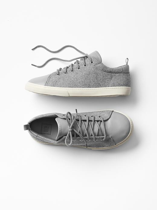 Gap Mix Media Colorblock Sneakers Size 3 - charcoal gray