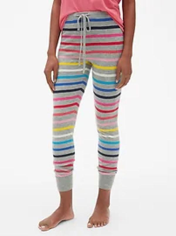 Cozy Striped Pajamas for Women #giftideas #holiday #cutepajamas