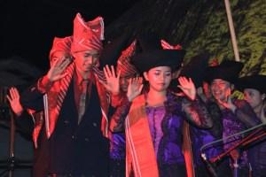 Foto: Tari Karo yang akan tampil dalam acara Dokan Arts Festival. (ist)