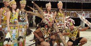 Foto ilustrasi:  Suku Dayak di Kalimantan (ist)