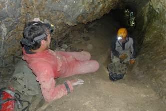 Agrandissement du tunnel d'entrée par les forçats