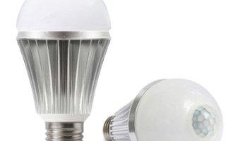 Motion Sensor LED Light Bulbs, 9W A19 E26 Smart Dusk to Dawn Radar ...