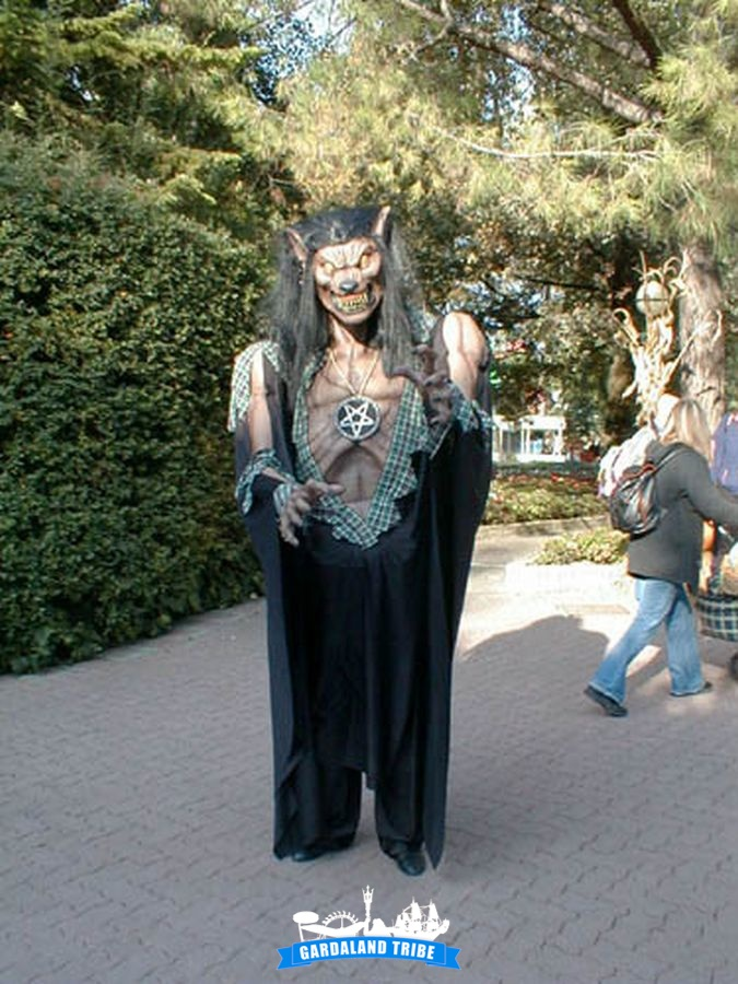 gardaland-tribe-history-aperture-speciali-magic-halloween-2004-16