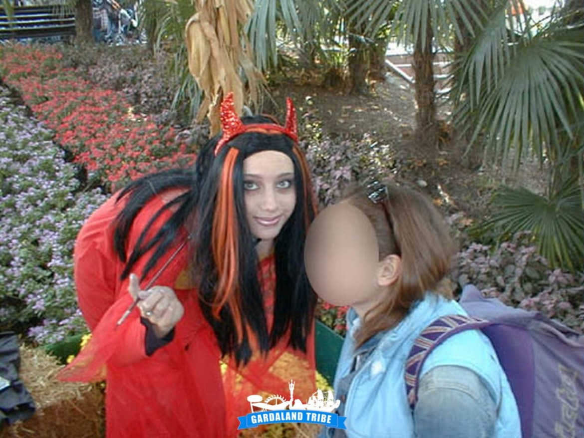 gardaland-tribe-history-aperture-speciali-magic-halloween-2004-17