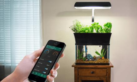 World's 1st Aquaponic Smart Garden