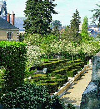 Groundbreaker Gilles Cl 233 Ment Garden Design